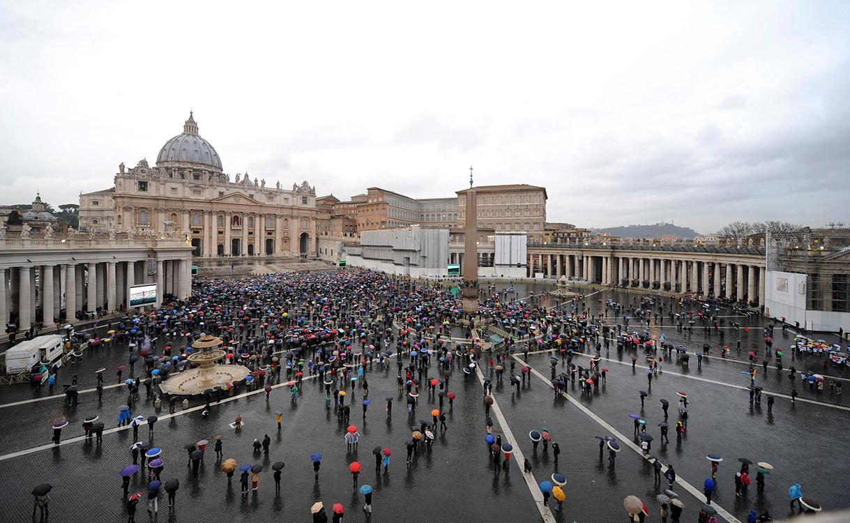 «Banco» vaticano. Francisco levanta vapor