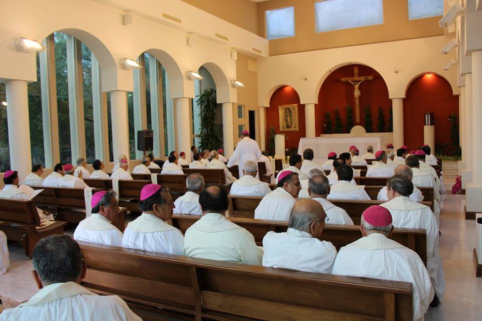 Obispos mexicanos estudian sobre medios de comunicación
