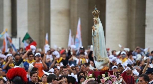 La mirada de María nos indica a Jesús: Papa Francisco