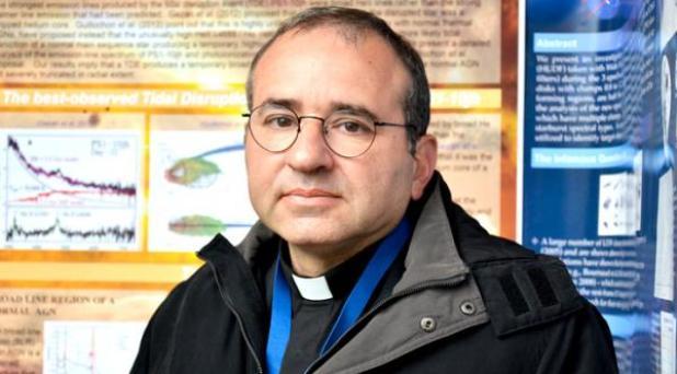 """Astrónomo del Vaticano: """"Es posible que exista vida extraterrestre"""""""