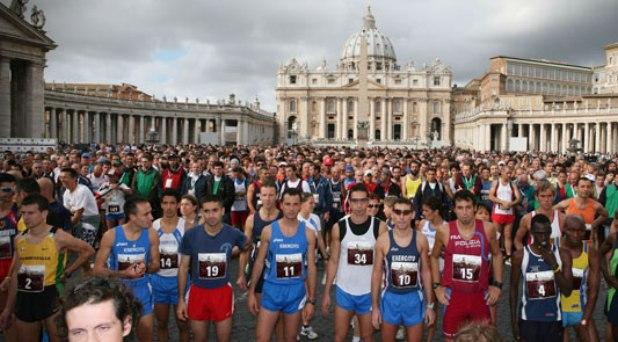"""Se realiza la """"Carrera de los Santos"""" en el Vaticano"""