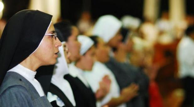 No a los derroches en las congregaciones religiosas: Francisco