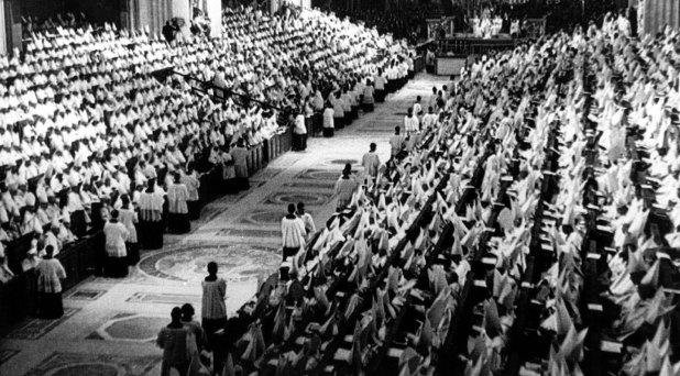 Las ideologías y las batallas postconciliares
