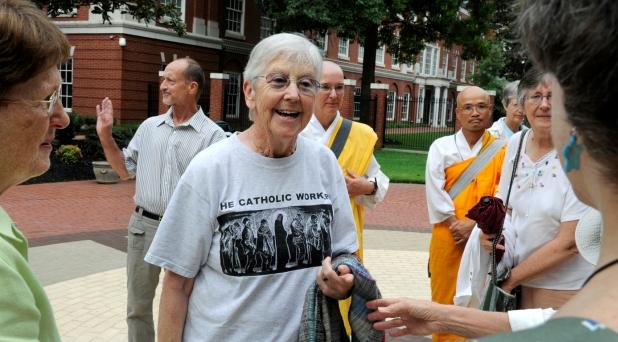 Encarcelan a religiosa por protestar contra armas nucleares