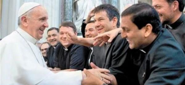 """""""Memoria, esperanza y discernimiento"""": para que los sacerdotes progresen en la fe"""