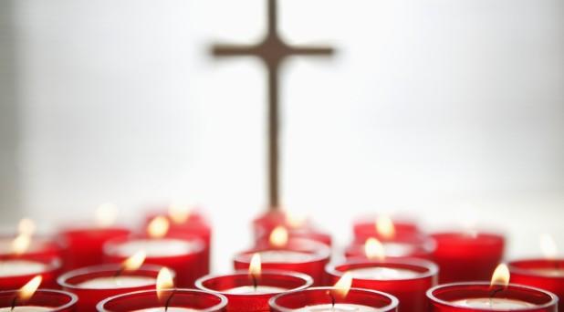 El pecador vive triste; el santo es luminoso y alegre