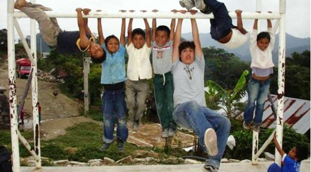 Miles de jóvenes renovando la Iglesia: Misión Semana Santa 2014 (II)