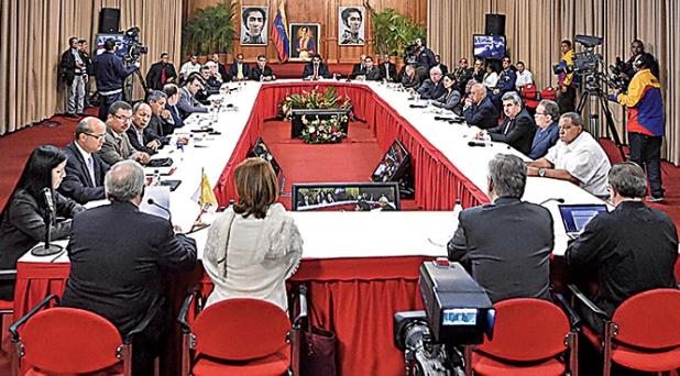 Inicia diálogo de paz en Venezuela, la Iglesia es intermediaria