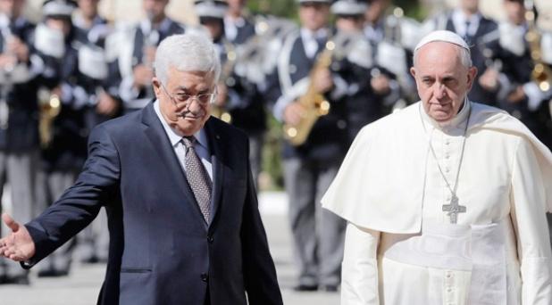 """Francisco en Belén: """"emprendan un éxodo hacia la paz"""""""