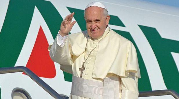 El Papa Francisco llega a Armenia