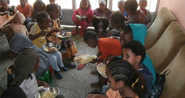 Pobreza y hambre, consecuencias de un sistema económico injusto e incomprensible