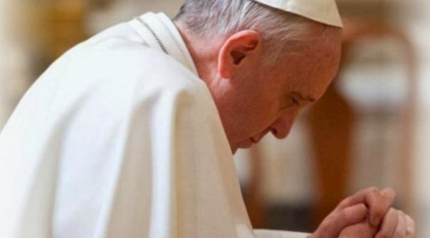 """""""Es necesario orar siempre sin desanimarse"""": Francisco"""