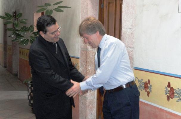 Mons Faustino con Jaime Septien W