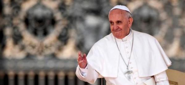 """Papa: """"Compartir el viaje"""" de quien, movido por la esperanza, deja su propia tierra"""