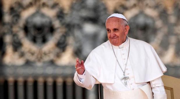 Los ministerios ordenados no son cargos honorificos: Francisco