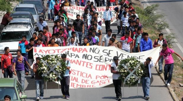 """Realizan mesa de análisis sobre """"caso Ayotzinapa"""""""