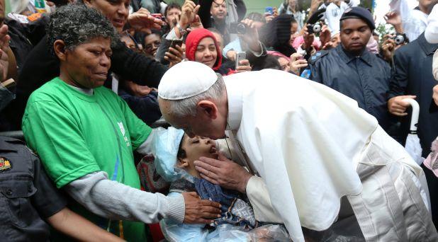 El amor a los pobres está al centro del Evangelio