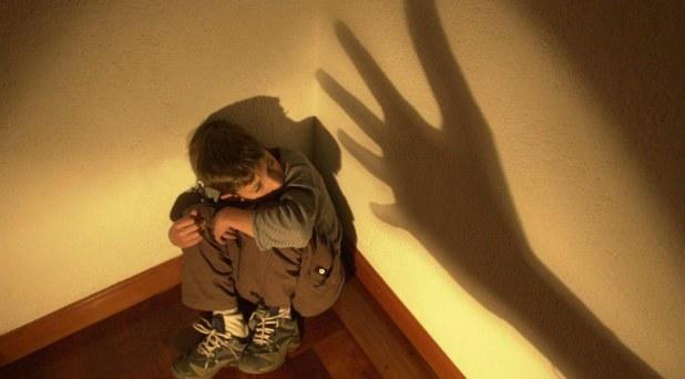 Redes de afecto en la familia, defensa contra la violencia a los niños