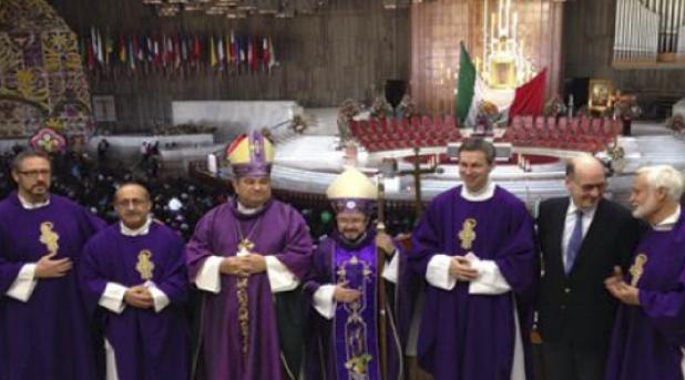 """Consagran la fundación """"Ayuda a la Iglesia que Sufre"""" a la Guadalupana"""