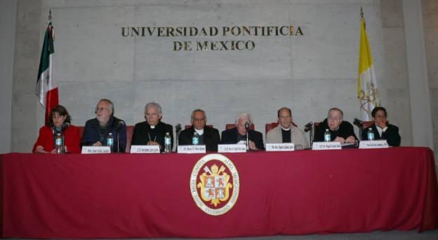 Transformar el dolor y la violencia en esperanza: Foro en la Pontificia de México