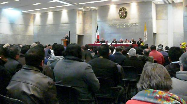 Diálogo en la UPM: ¿La Iglesia en México padece esquizofrenia?