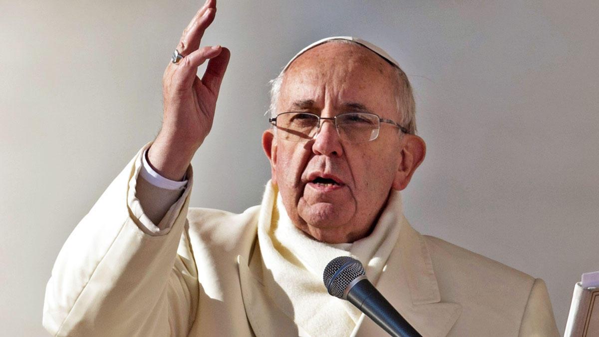 ¡Quien hace el mal, odia la luz! ¡Quien hace el mal, odia la paz! Papa Francisco