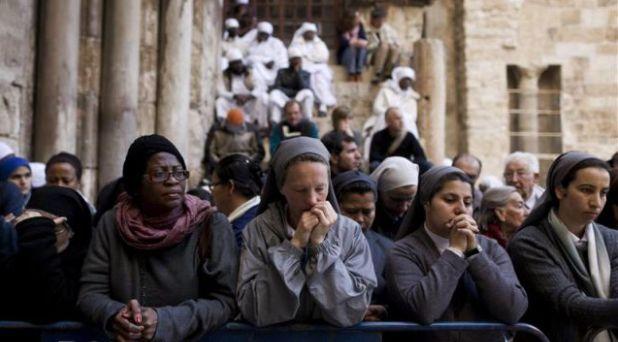 """Detengan la """"interminable guerra"""" en Tierra santa y la persecución a los cristianos: Francisco"""