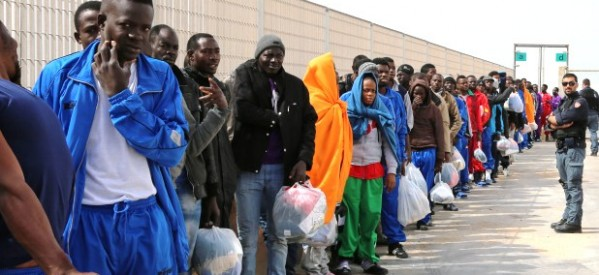 Iglesia Católica insta a Gobierno de EU a detener decreto contra migrantes