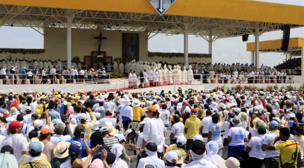 """""""La fe se mezcla con la leche materna"""": Francisco en Ecuador"""