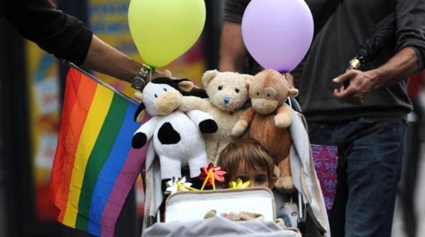 Adopción gay: ¿y el menor no cuenta?