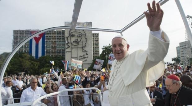 La iglesia, en Cuba, está en la calle