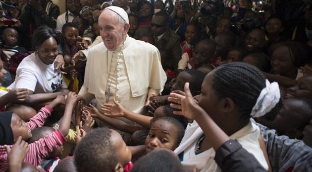 «La fe de los pobres ha protegido al Papa»