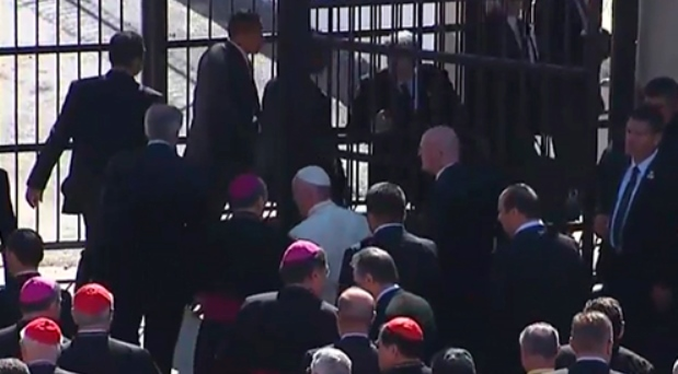 Francisco celebra jubileo de la Misericordia con presos en Ciudad Juárez