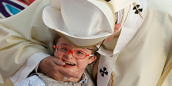 El Papa Francisco nos llama a ser embajadores y transformar nuestras realidades