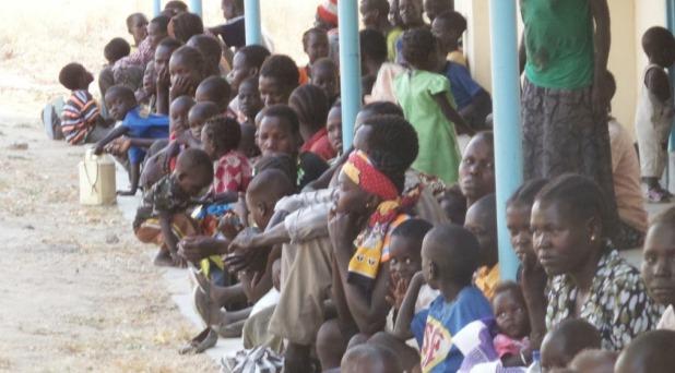 Educación y alimento para los desplazados de Sudán del Sur