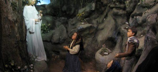 Francisco canoniza a dos de los videntes de Fátima