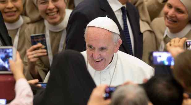 Francisco desea crear una comisión que estudie la cuestión del diaconado femenino