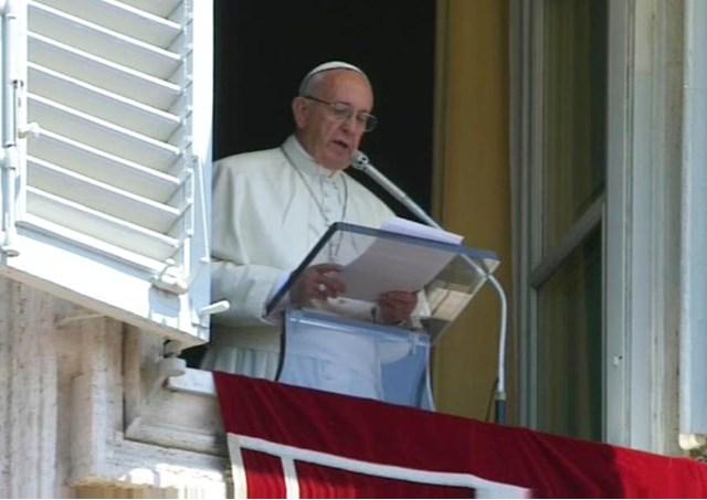 """Dolor de Papa Francisco por el atentado de Turquía, """"Que el Señor convierta los corazones de los violentos"""""""