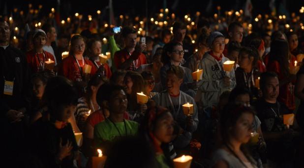"""La fraternidad de los jóvenes es """"signo de esperanza"""": Francisco"""