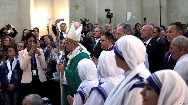 El servicio como estilo de vida cristiano: Francisco en Azerbaiyán