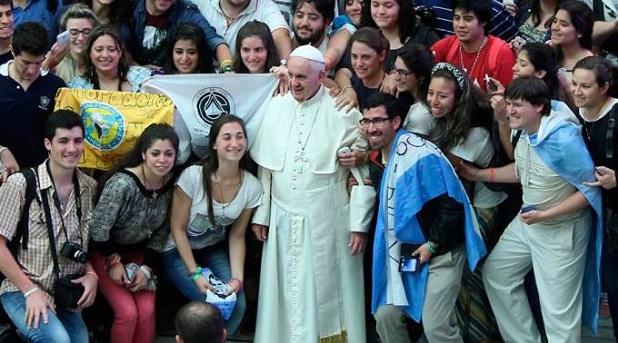 """""""Necesitamos jóvenes profetas que hagan soñar a los ancianos"""": Francisco"""