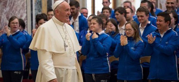 La inclusión enriquece a la sociedad: Francisco