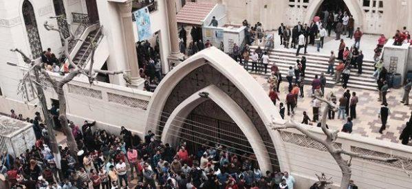 Atentados proyectan una sombra sobre la Pascua y la visita del Papa