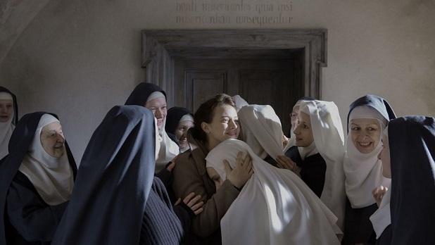 La historia de unas monjas y una doctora atea