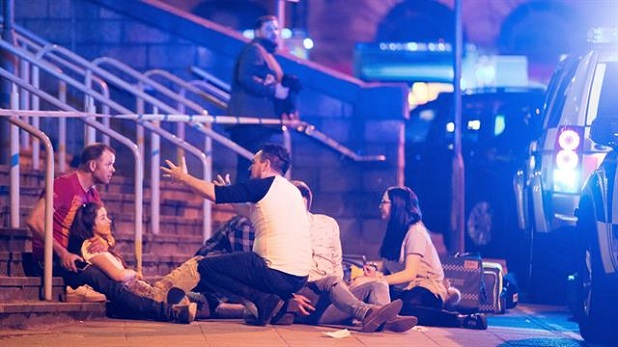 """En Manchester un """"ataque bárbaro"""", una """"violencia sin sentido"""": Francisco"""