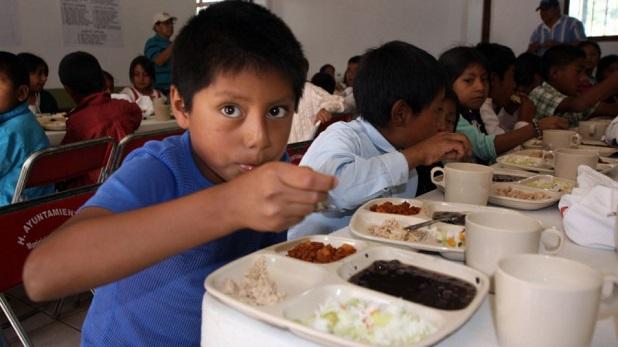 Alimentos y educación, necesarios para crecer con dignidad