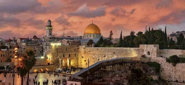 """""""Para Jerusalén, 'en este momento' es importante el diálogo entre religiones y culturas"""": Papa Francisco"""