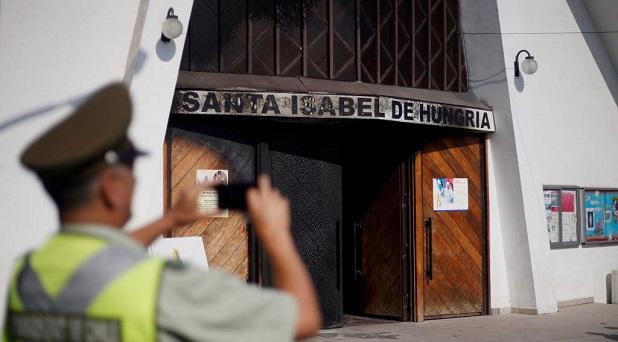 Se registran ataques a iglesias en la víspera del viaje de Papa Francisco a Chile y Perú
