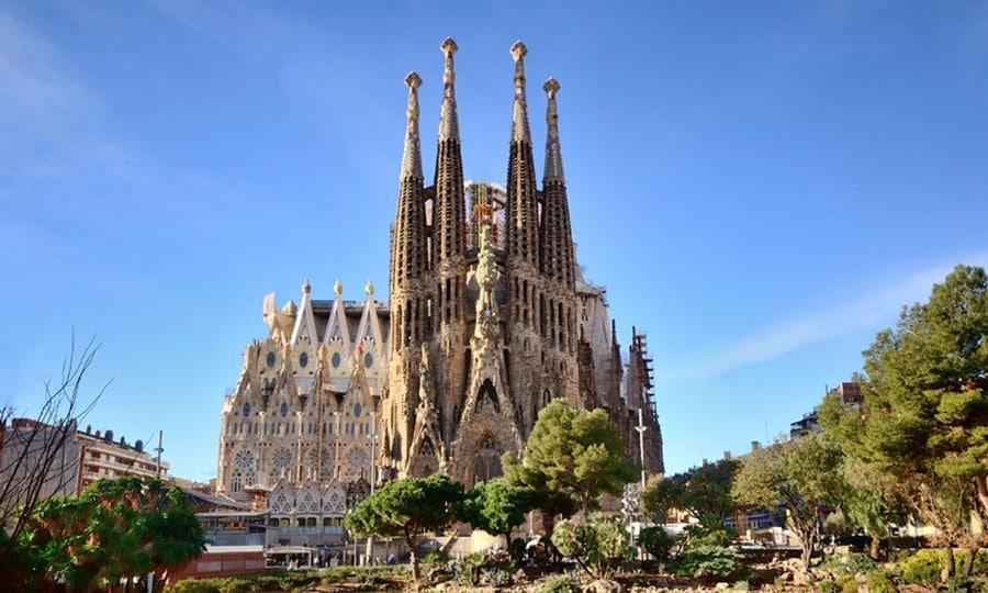 Hacia los altares, el arquitecto Antoni Gaudí