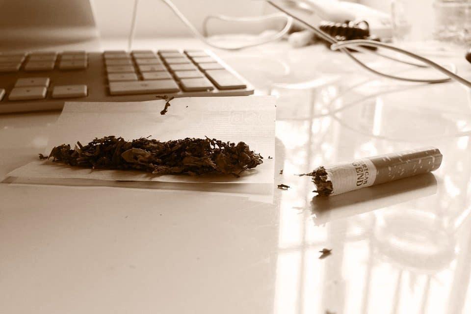 """Marihuana: """"ya es legal, pero no la fumes"""""""